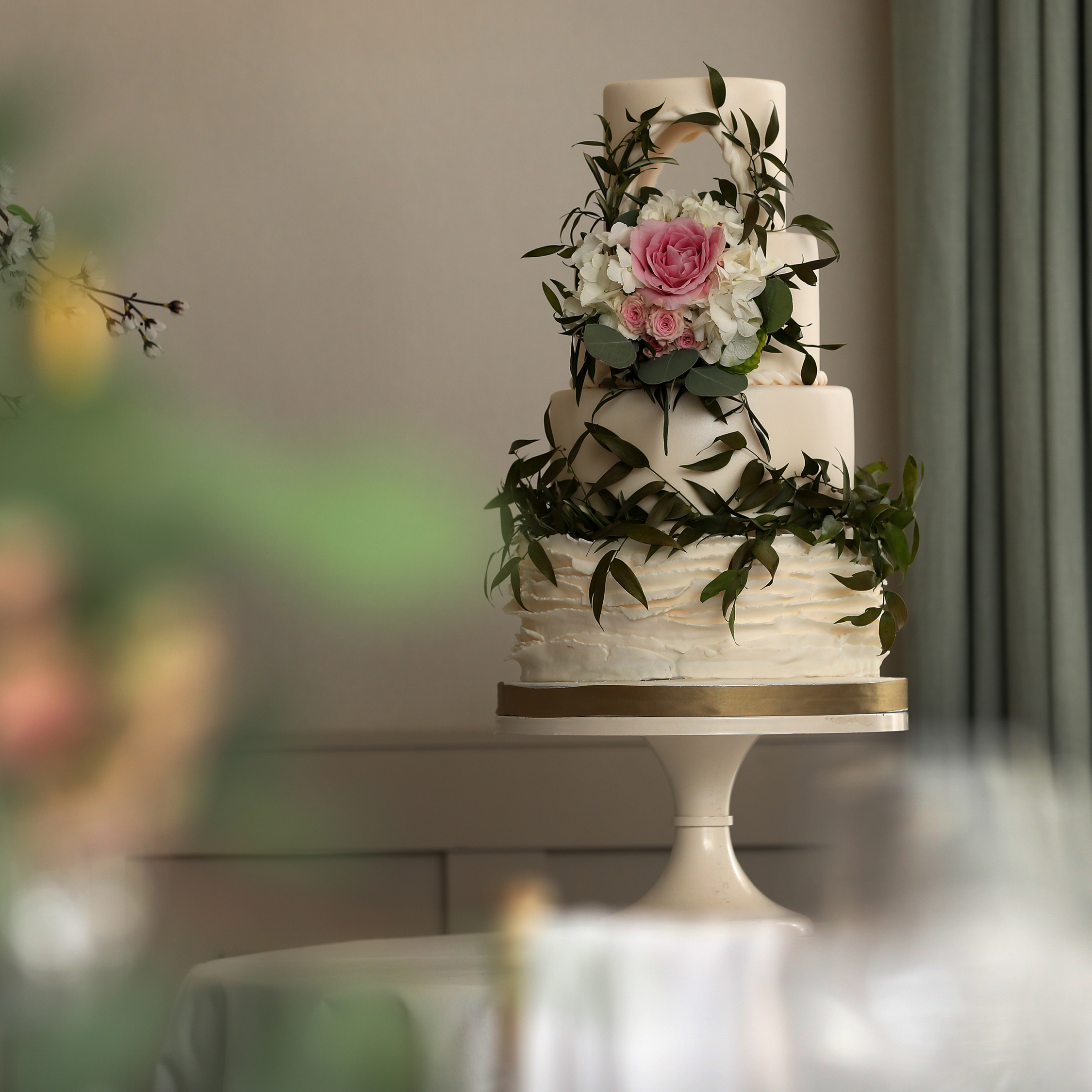 BeUnveiled, Wotton House recommended, Surrey cake supplier
