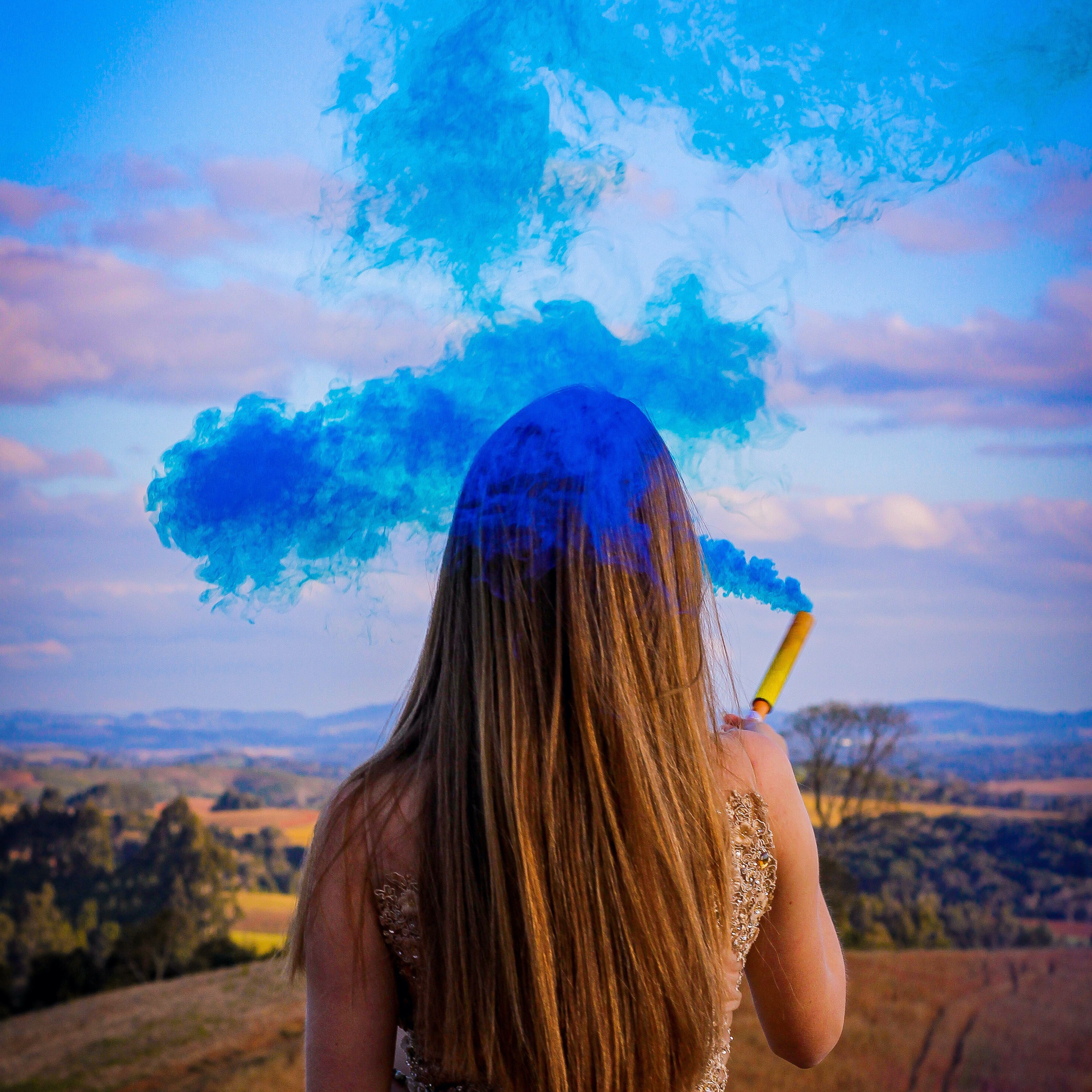 Blue wedding smoke bomb, Pantone colour of the year 2020