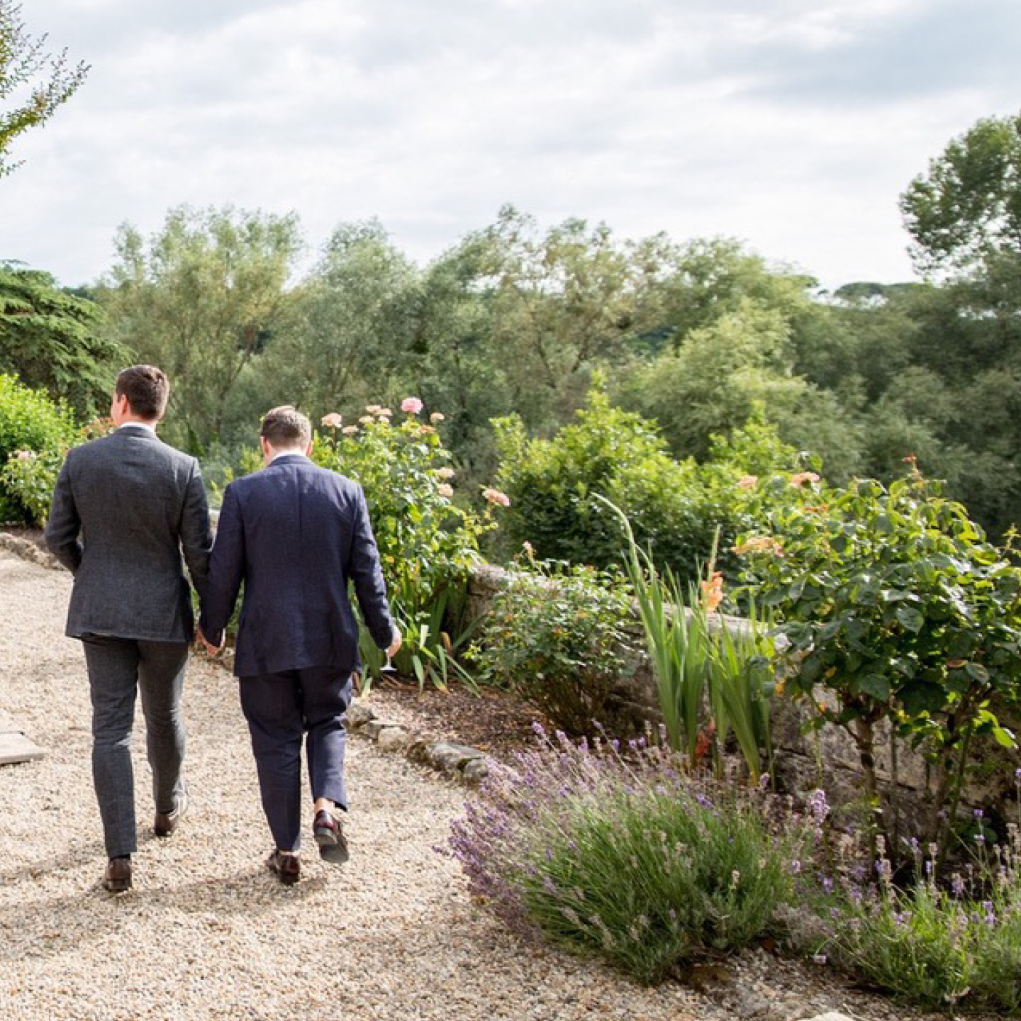same sex wedding in France, Château Lagorce, frenchweddingchateau.com