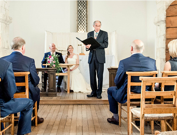 How to choose the guest list for your micro wedding & involve those not on the list